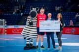 Kiel, 26. Mai 2019. In der DKB Handball-Bundesliga trifft der THW Kiel (wei§) auf GWD Minden (grŸn).Der THW Hauptsponsor, die star Tankstellen der ORLEN Deutschland GmbH, Ÿbergeben einen Spendenscheck in Hšhe von 10.000 Euro an die Kinderkrebsstation de