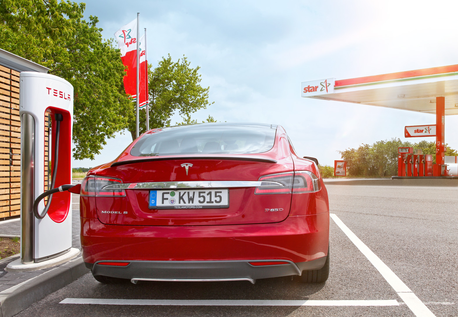 star Tankstellen_Alternative Mobilitaet_Tesla Super Charger ©ORLEN Deutschland.jpg